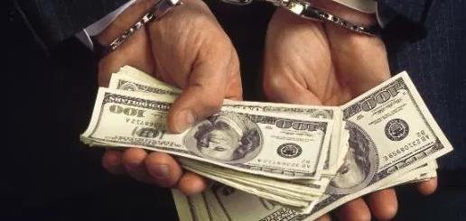 """""""空手套白狼""""27岁华男 两年""""赚""""$90万,一次就获利15.5万,出事了"""